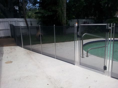 Silver-finish Pool Barrier in Largo